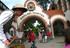 8 Die Gründerzeit Safari auf Stelzen erfreut im Zoo und Botanischem Garten mit dem Inflammati Walkact Nostalgie